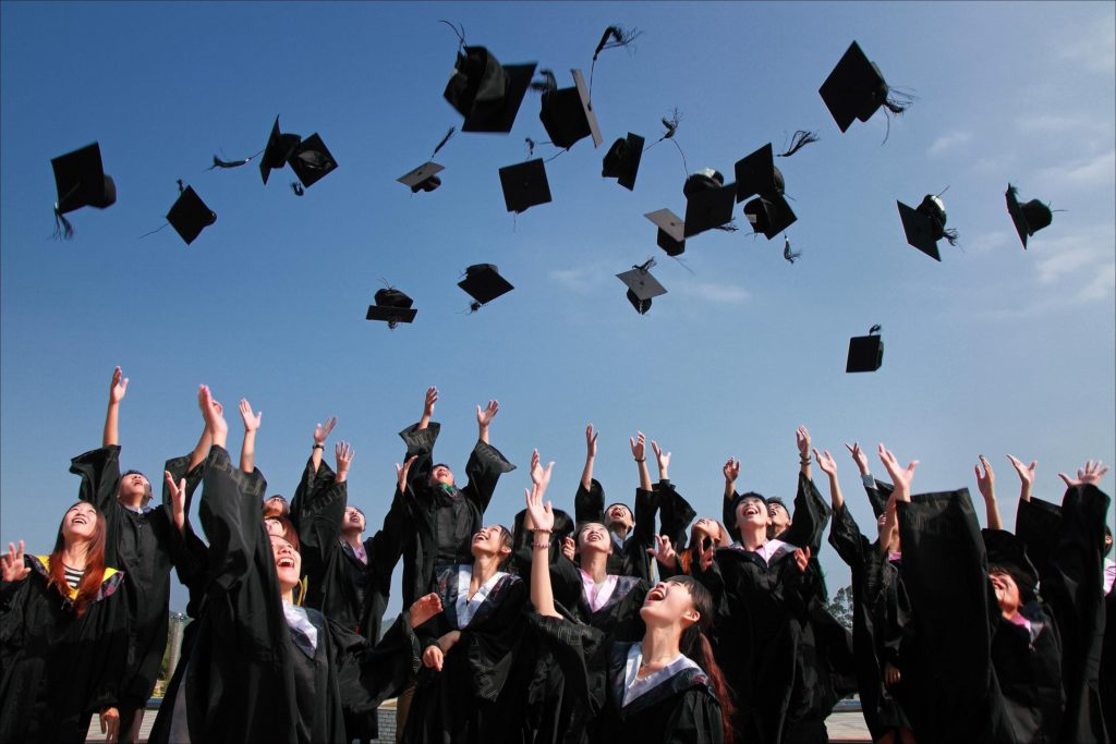 5 Simple Steps To Graduate from College Without A Fortune in Student Loans (And what to do if you already did)